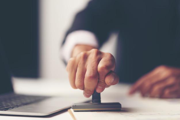 Comment vous devriez payer les honoraires d'un notaire ?